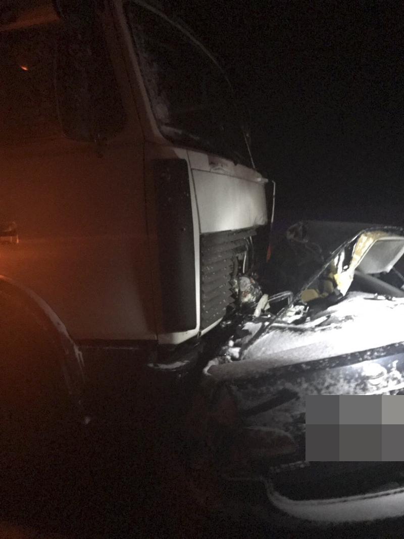 В Башкирии в ДТП легковушки и грузовика погибли трое